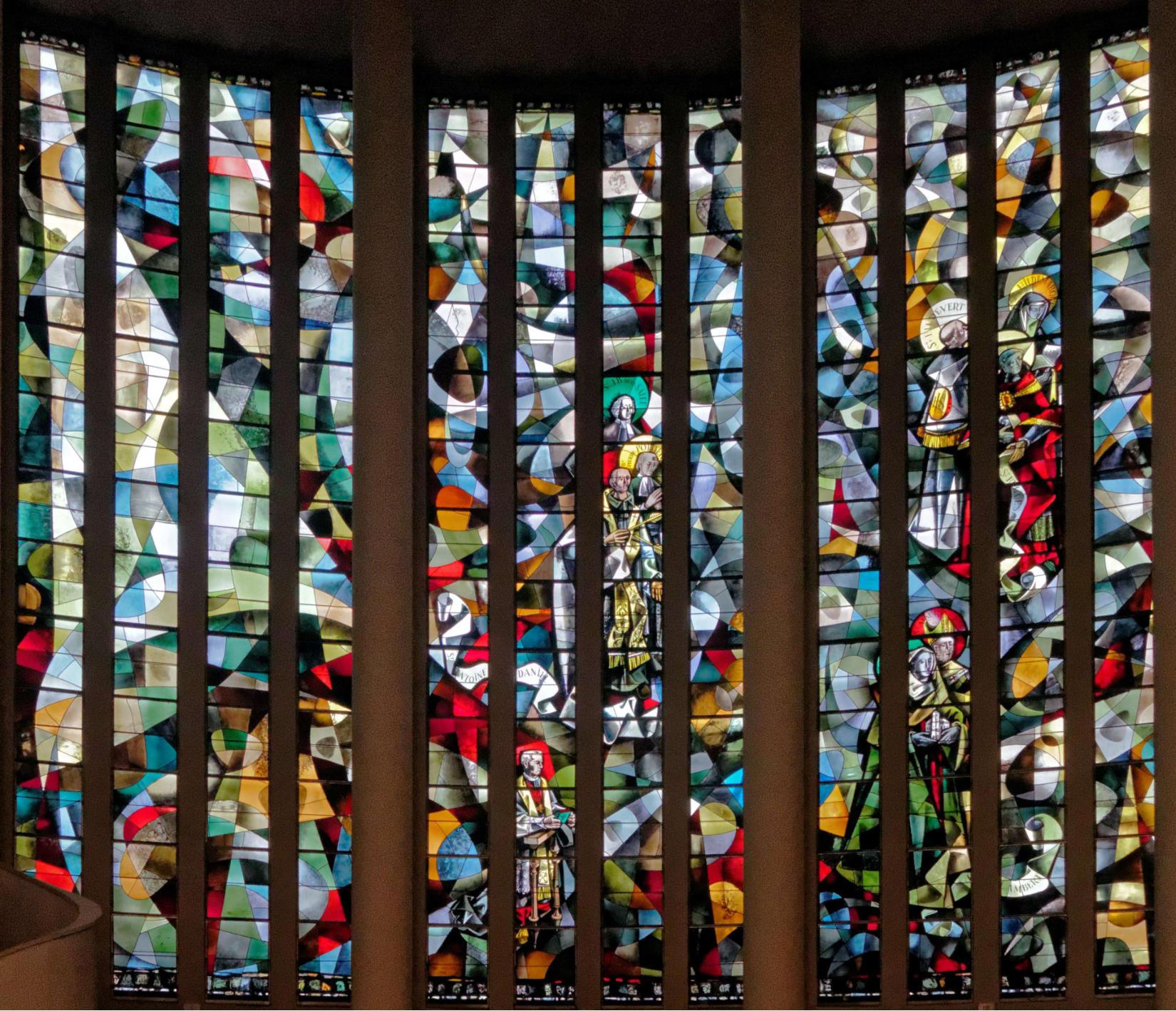 À Yvetot Trois Blessés Après La Chute D Un Balcon: (Vitrail) Vitraux De L'église Saint-Pierre à Yvetot En